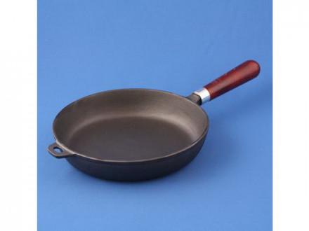 Сковорода 22см без крышки чугунная деревянной ручкой