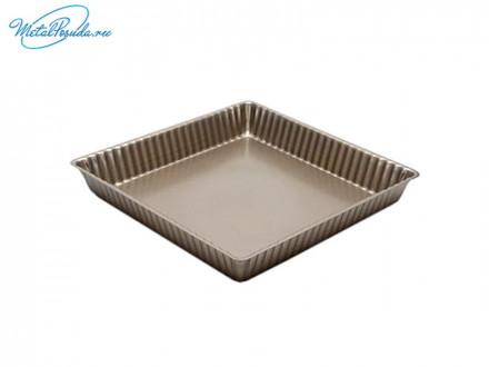 Форма для выпечки квадратная, с антипригарным покрытием.