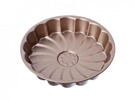 Форма для выпечки пирога с антипригарным покрытием.