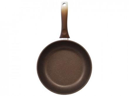 Сковорода 240/60мм с антипригарным покрытием с ручкой kukmara